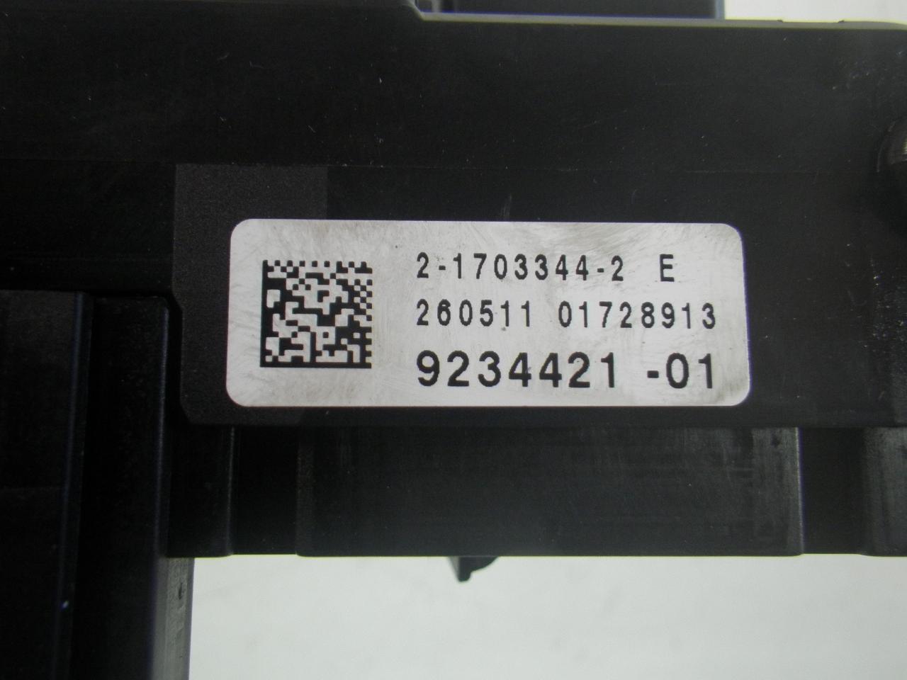 Fuse box BMW 5 series (F10) 523i 150 kW 204 PS ( 03.2010->)